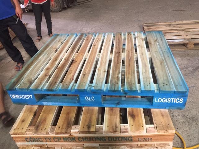 Pallet gỗ lưu kho sơn theo yêu cầu 001