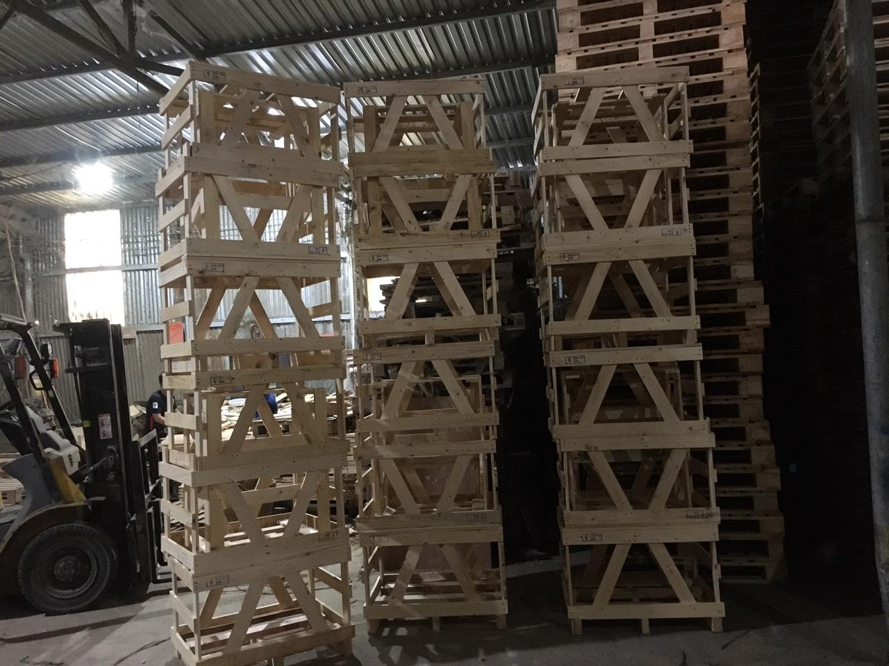 Pallet gỗ, thùng gỗ xuất  hàng đi Mỹ 002